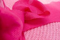 Partie latérale de ruban de rose d'armure de chapeau de texture images stock