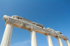 Partie préservée de colonnade d'ordre dorique à antique photo libre de droits