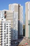 Parties de gratte-ciel haut-en construction Photos libres de droits