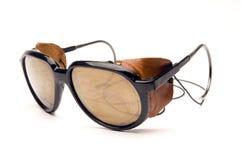 Parties latérales en cuir de lunettes de soleil de glacier images libres de droits