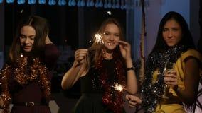 Partij in het nieuwe jaar stock video