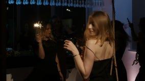 Partij in het nieuwe jaar stock videobeelden