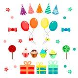 Partij met ballons, hoed, suikergoed wordt geplaatst dat en cupcakes Stock Afbeeldingen