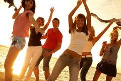 Partij op het strand Royalty-vrije Stock Afbeeldingen