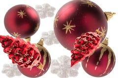Partij van Kerstmisballen op witte achtergrond Stock Foto's
