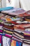 Partij van stoffen verschillende texturen en kleuren Stock Afbeeldingen