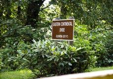 A partilha continental oriental assina dentro a montanha Georgia State Park de Black Rock fotos de stock