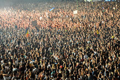Parting crowd of people during a David Guetta concert Stock Images