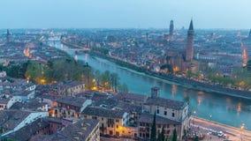 A partir de día al vídeo aéreo del lapso de tiempo de la noche 4k en Verona almacen de video