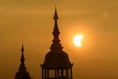 Partisk sol- förmörkelse i Thailand Royaltyfri Bild