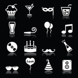 Partisymboler ställde in - födelsedagen, det nya året, jul på svart Royaltyfri Bild