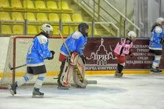 Partita del hockey su ghiaccio delle ragazze Immagine Stock Libera da Diritti