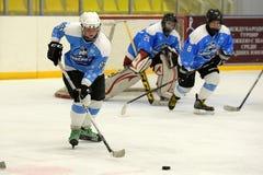Partita del hockey su ghiaccio delle ragazze Fotografie Stock Libere da Diritti