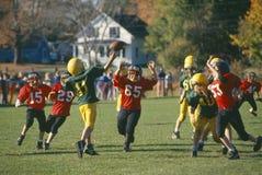 Partita di football americano della lega minore Fotografia Stock