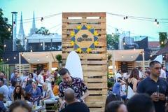 Partito di Corona Sunsets Session a Zagabria, Croazia Immagini Stock