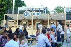 Partito di Corona Sunsets Session a Zagabria, Croazia Fotografie Stock