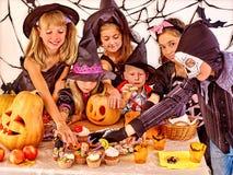 Partito di Halloween con i bambini Immagine Stock Libera da Diritti
