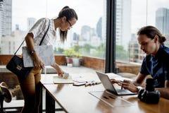 Partnerstwo korporacyjna praca wpólnie opowiada planować Obraz Stock