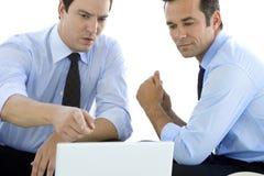 Partnery biznesowi pracuje na laptopie Zdjęcie Stock