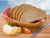 Parts de pain et de fromage Photographie stock