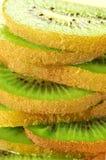 Parts de plan rapproché de kiwi Photo stock