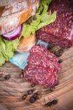Parts de salami Photos libres de droits