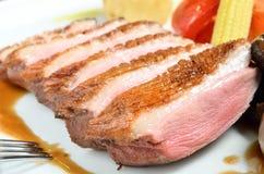 Parts de viande frite par canard Images stock
