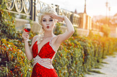 Party, drinks, holidays, luxury and celebration concept - smilin Royalty Free Stock Photos