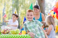 Party im Garten stockfotos