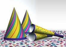 Party los sombreros, los claxones del partido (ventiladores) y el confeti Fotos de archivo libres de regalías