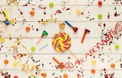 Party o fundo, acessórios da celebração do feriado, vista superior Fotos de Stock Royalty Free