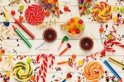 Party o fundo, acessórios da celebração do feriado, vista superior Fotografia de Stock Royalty Free