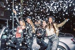 Partying das meninas Fotografia de Stock Royalty Free