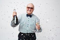 Partying do homem idoso Fotos de Stock Royalty Free