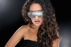Partyjna dziewczyna w świetlicowych szkłach Zdjęcia Stock