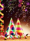 Partyjni kapelusze i Streamers na Abstrakcjonistycznym tle Obraz Stock