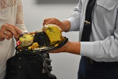 Partyjny tort dzielący zdjęcie royalty free