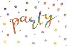 Partyjny zaproszenia literowanie, ręka rysująca z barwionymi ołówkami w r zdjęcia royalty free