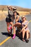 Partyjnych dziewczyn pociągniecia Wycieczkować Zdjęcia Royalty Free