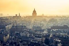 Paryż, światło słoneczne na panteonu zabytku zdjęcia stock