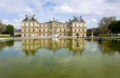 Paryż. Antyczny pałac w Luksemburg ogródzie Obrazy Stock
