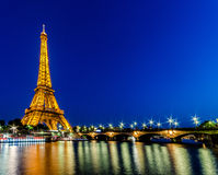 PARYŻ, CZERWIEC - 15: Wieża Eifla na Czerwu 22, 2012 w Paryż eiffel Fotografia Royalty Free