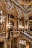 Paryż, Francja, Marzec 31 2017: Wewnętrzny widok opera obywatel de Paryski Garnier, Francja Ja budował od 1861 zdjęcia royalty free