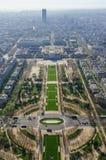 Paryż, Francja, Marzec 30 2017: Widok pole Mars i środkowi okręgi Paryż od wieży eiflej w szarość obraz royalty free
