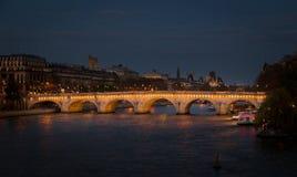 Paryż, Francja, Marzec 28 2017: widok Pont Neuf w Paryż na Marzec 7, 2013 Pont Neuf jest starym pozyci mostem Zdjęcie Stock
