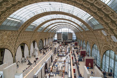 Paryż, Francja, Marzec 28 2017: Wnętrze musee d ` orsay Ja mieści w poprzednim Gare d ` Orsay, sztuki Obraz Stock