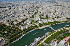 Paryż, Francja widok przy wonton rzeką w Paryż od wieży eiflej przy słonecznym dniem zdjęcia stock