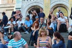 Paryż, Francja, Wrzesień 04, 2012 Turyści przy Sacre-Coeur Obrazy Royalty Free