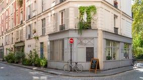 Paryż, powabna ulica fotografia royalty free