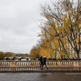Paryż w jesieni, najwięcej pięknego czasu rok obraz stock